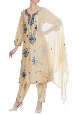 Beige embroidered kurta with pants & dupatta
