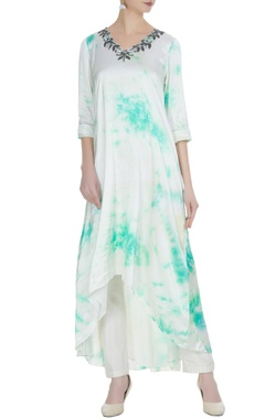 White & green tie-dye asymmetric georgette kurta