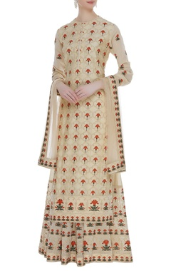 Embroidered kurta with skirt & dupatta
