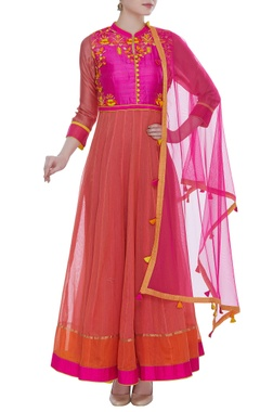 RAR Studio Chanderi kurta set with silk yoke and cut dana embroidery