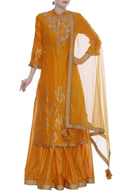 RAR Studio Chanderi jaal and floral cutdana embroidered kurta set