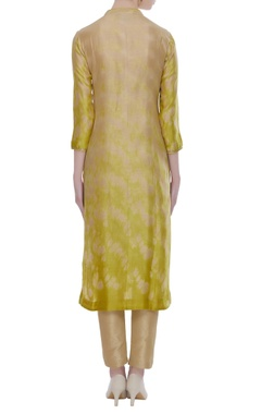 Chanderi tie and dye kurta with cutdana embroidery