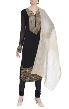 Kavita Bhartia Bead & mirror work embroidered kurta set
