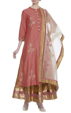 Peach kurta set with gold skirt and dupatta