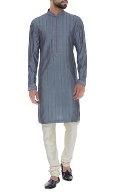 Spun silk textured kurta with churidar
