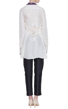 Long collar shirt with exaggerated collar
