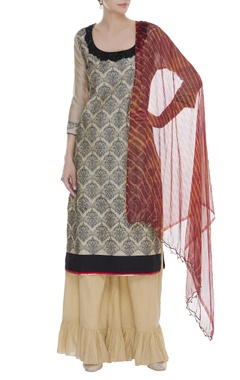 Arpan Vohra Thread embroidered kurta with frilly pants & dupatta