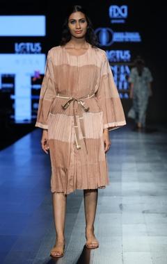 Pleated tunic with waistbelt