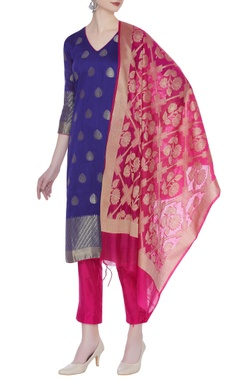Zari woven kurta with banarasi dupatta and pants