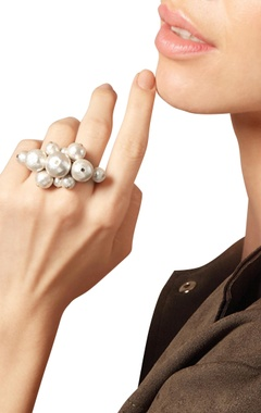 Oversized pearl double ring