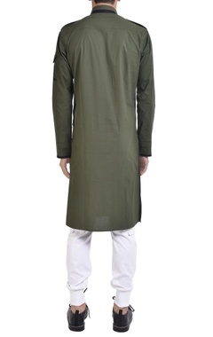 Military-inspired kurta with epaulets