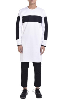 NoughtOne Crew neck kurta with pintuck panels