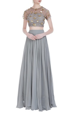 Bhumika Sharma Embroidered blouse with pleated lehenga