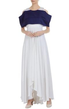 Cold shoulder sleeves maxi dress