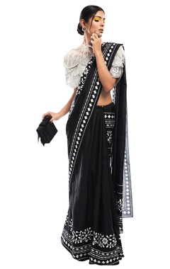 Ridhi Mehra Printed sari with net cape & bustier