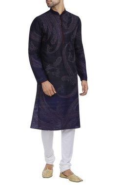 Paisley print kurta with churidar