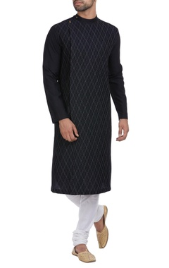 Pintucks pattern style kurta with churidar