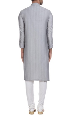 Pintucks placket kurta set.