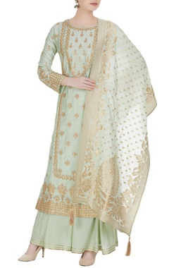 Matsya Embroidered kurta with dupatta and sharara