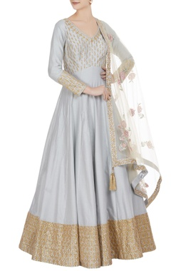 Matsya Gota embroidered anarkali with parsi dupatta