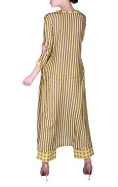 Stripe printed kurta with pants