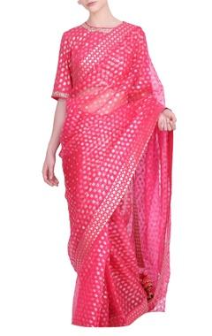 Nikasha Crepe & organza floral printed saree with foil blouse