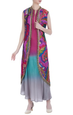 Ombre flared kurta with embroidered jacket