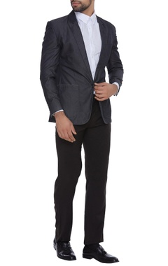 Suit jacket with utlity pockets