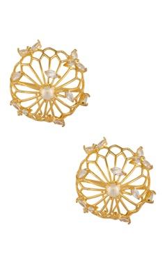 Oversized circular earrings