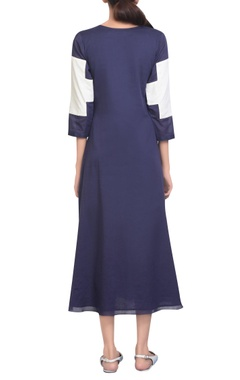 Embroidered tunic with panelled sleeves