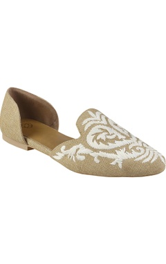 Crimzon D'orsay flats in floral embroidery