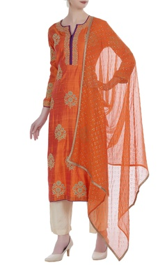 Raw silk embroidered kurta with pants & dupatta