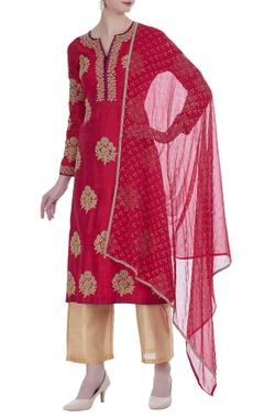 Aditi Somani Raw silk thread embroidered kurta set