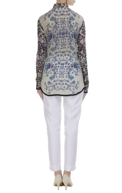 Crepe printed shirt with full sleeves
