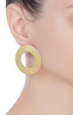 Circular disc shape earrings