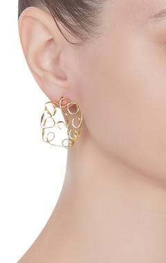 Mesh cushion stud earrings