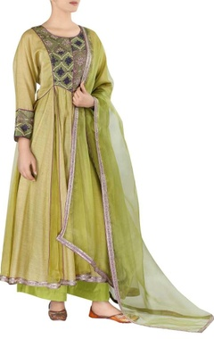 Embroidered kurta set with dupatta