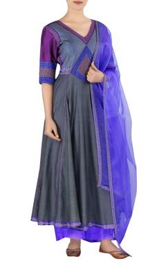 Latha Puttana Embroidered chanderi kurta set