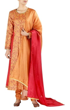 Full sleeves kurta with pants and dupatta
