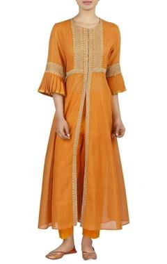 Latha Puttana Embroidered chanderi front slit kurta with pants