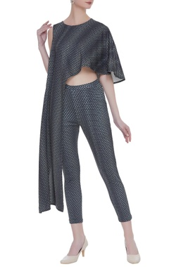 Asymmetric top with cape sleeves