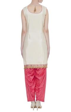 Mirror & aari embroidered kurta set