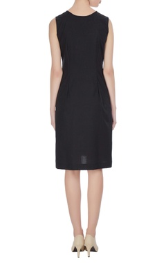 Linen shift dress with embroidered leaf motif