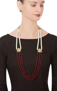 Bead & faux pearl tiered necklace with earrings