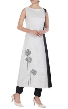 Taika by Poonam Bhagat Chanderi floral embroidered long kurta