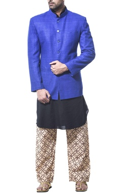 Debarun - Men Kurta with printed pajama and nehru jacket