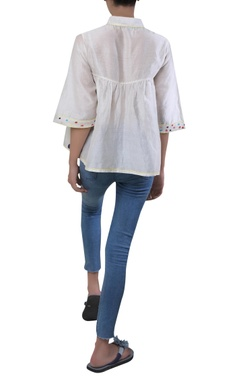 Small pleats with booti embroidered top