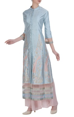 Embroidered straight kurta with flared pants