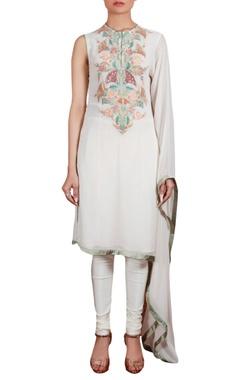 Flared sleeve tunic with churidar