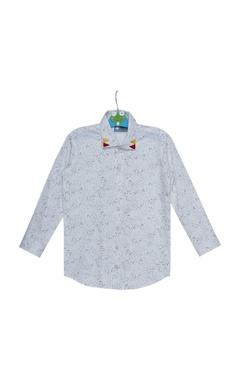 Triangular motif embroidered shirt